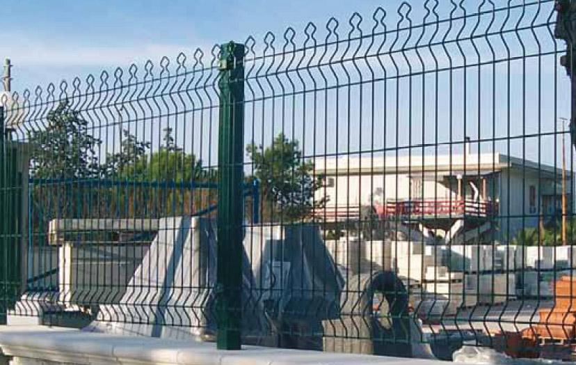 Sap recinzioni cancellate cancelli grigliati scale for Rete stirata per cancelli
